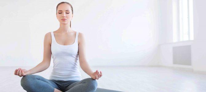 Yoga yapan kadının 8 farkı